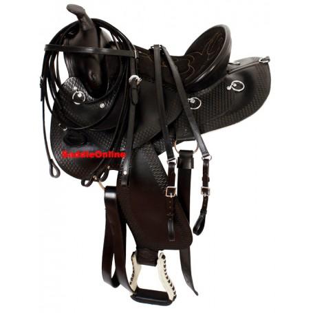 Comfortable Black Trail Endurance Saddle & Tack 15